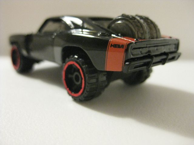 No real complaints about this casting – the only reason I bought it was because the car starred in Fast 7. Appeals to both the child (massive wheels) and the adult collector (Dodge Charger, F…