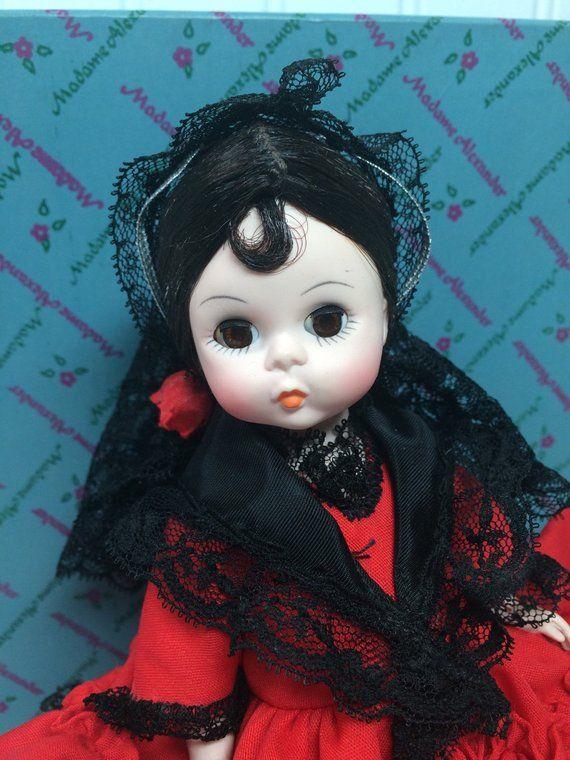 Spain, Doll, Madame Alexander, Vintage Doll, 1980s, Spanish Doll, Spanish Dress, Mantilla, Internati #spanishdolls