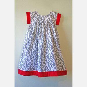 Charming dress.  Isabel Garreton.