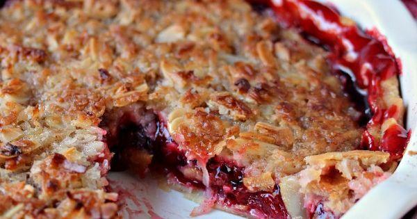 Almond Macaroon-Cherry Pie | Recipe in 2020 | Almond ... |Coconut Almond Macaroon Pie Crust
