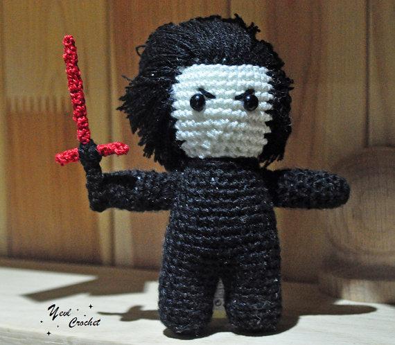 Kylo Ren / amigurumi Kylo Ren / crochet Kylo Ren by VictoriaYevl #kyloren #starwars #kylorentoy #kylorenplush #kylorencrochet #kylorenamigurumi #darthvader #starwarstoy #reyandkylo