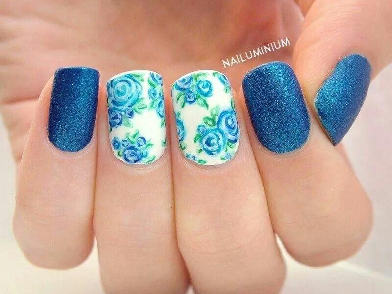 some blue nail art