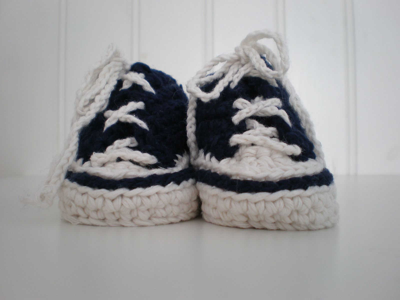 Ravelry Crochet Baby Converse Pattern By Suzanne Resaul Books