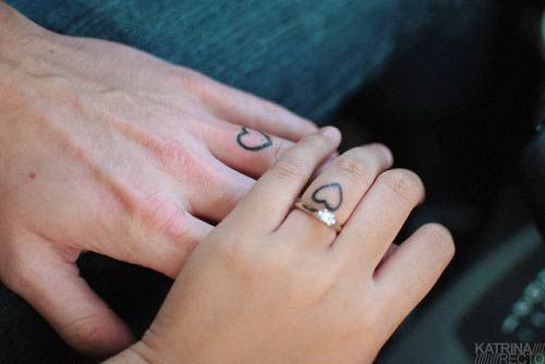81 Cute Couple Tattoos That Will Warm Your Heart Stayglam Ring Tattoos Matching Couple Tattoos Ring Finger Tattoos