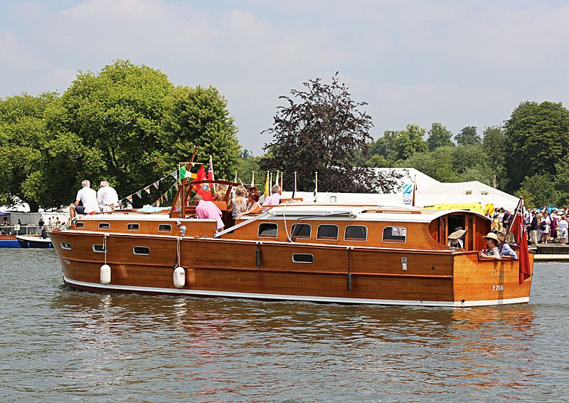 Classic Wooden Cruisers for Sale | Vintage Wooden Boat for Sale. Classic Boat for Sale