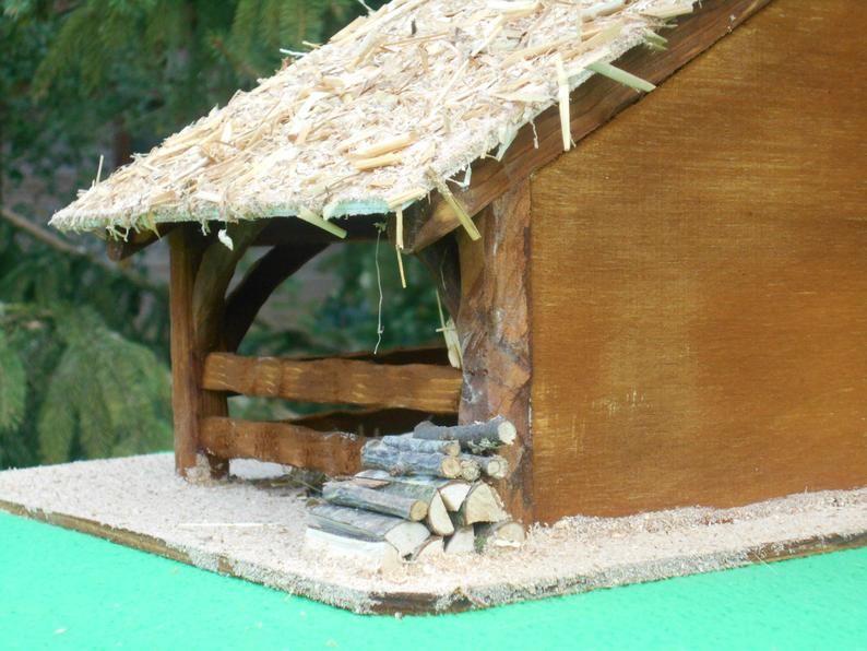 Crèche artisanale NOELLA, en bois, faite main, étable pour santons, bergerie, fermette, grange, cadeau de Noël, originale, durable #cadeaunoelfaitmainenfant