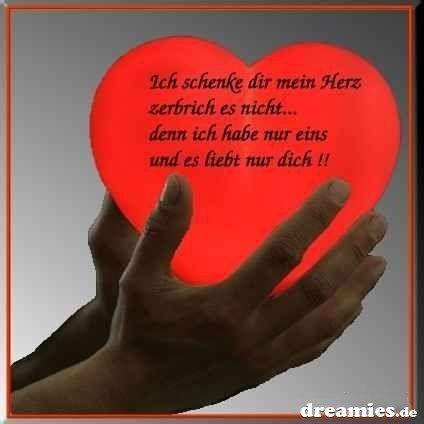 <3 I give you my heart do not break it ... then I have only one and it loves only you <3 Ich schenke dir mein Herz zerbrich  es nicht ...  denn  ich habe nur eins und es liebt nur dich <3