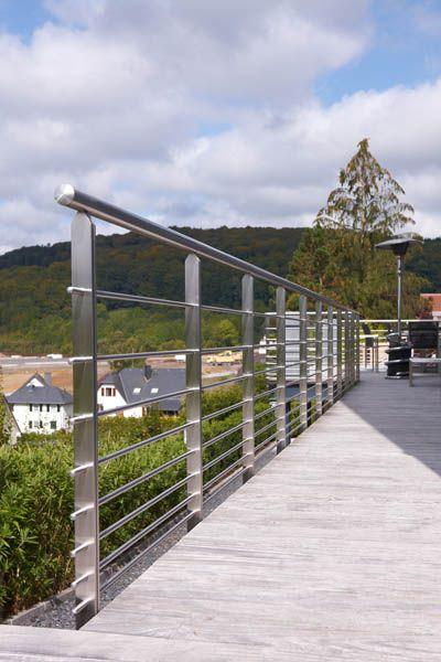 Garde corps de terrasse en inox plusieurs sous lisses en for Barriere inox exterieur