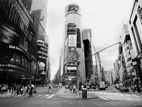 渋谷スクランブル交差点とNYタイムズスクエアを融合した「Times Square, 109」(2010年、ニューヨーク、東京)©P.M.Ken