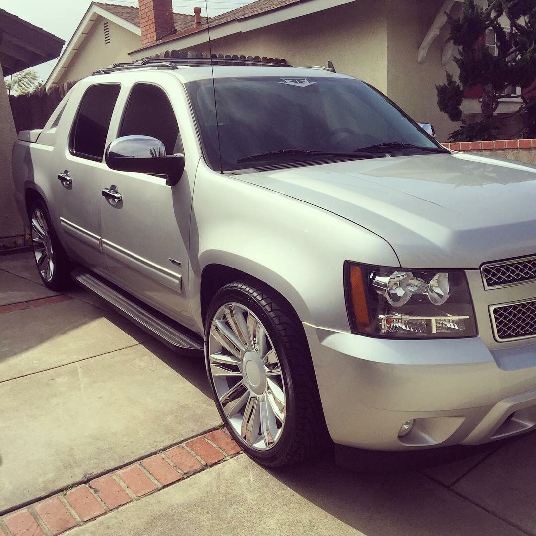 2011 chevy avalanche 2 4 drop kit on 24 wheels for your monday motivation