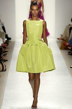 Oscar de la Renta Spring 2004 Ready-to-Wear Collection Photos - Vogue