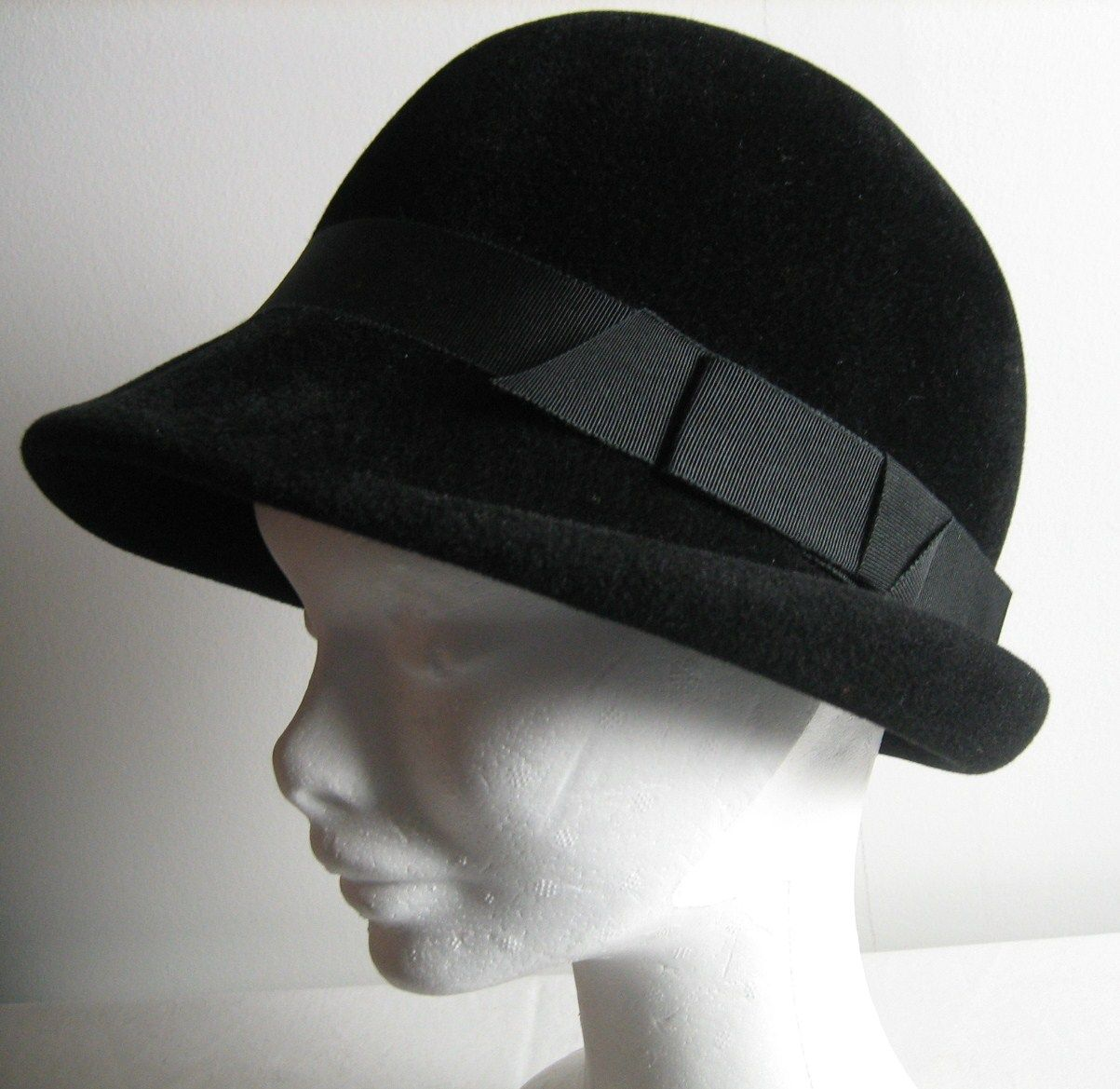"""Remade"" vintage hat from 50`s. Hat has been cleaned and the ribbons has been changed, respecting the old style.  SOLD!"