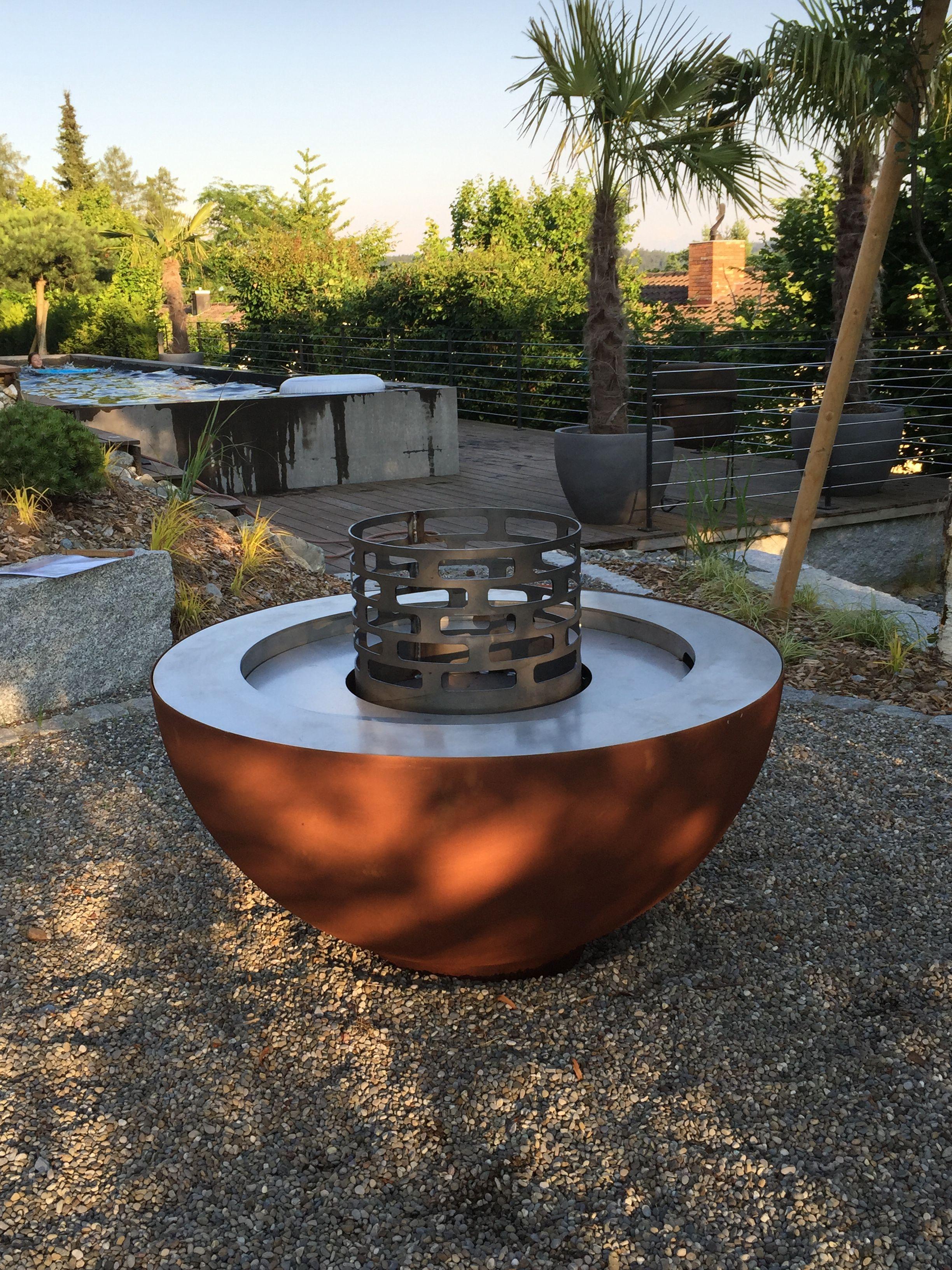 Die Moderne Art Des Grillens Feuerkugelgrill Mit 2 Feuerringen Grillieren Oder Geniessen Sie Schones Feue Feuerstelle Garten Grillplatz Im Freien Feuerschale
