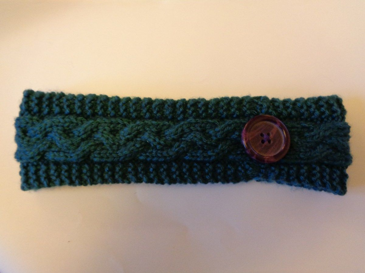 Free Pattern: Girls Braided Cable Knitted Headband | Pinterest