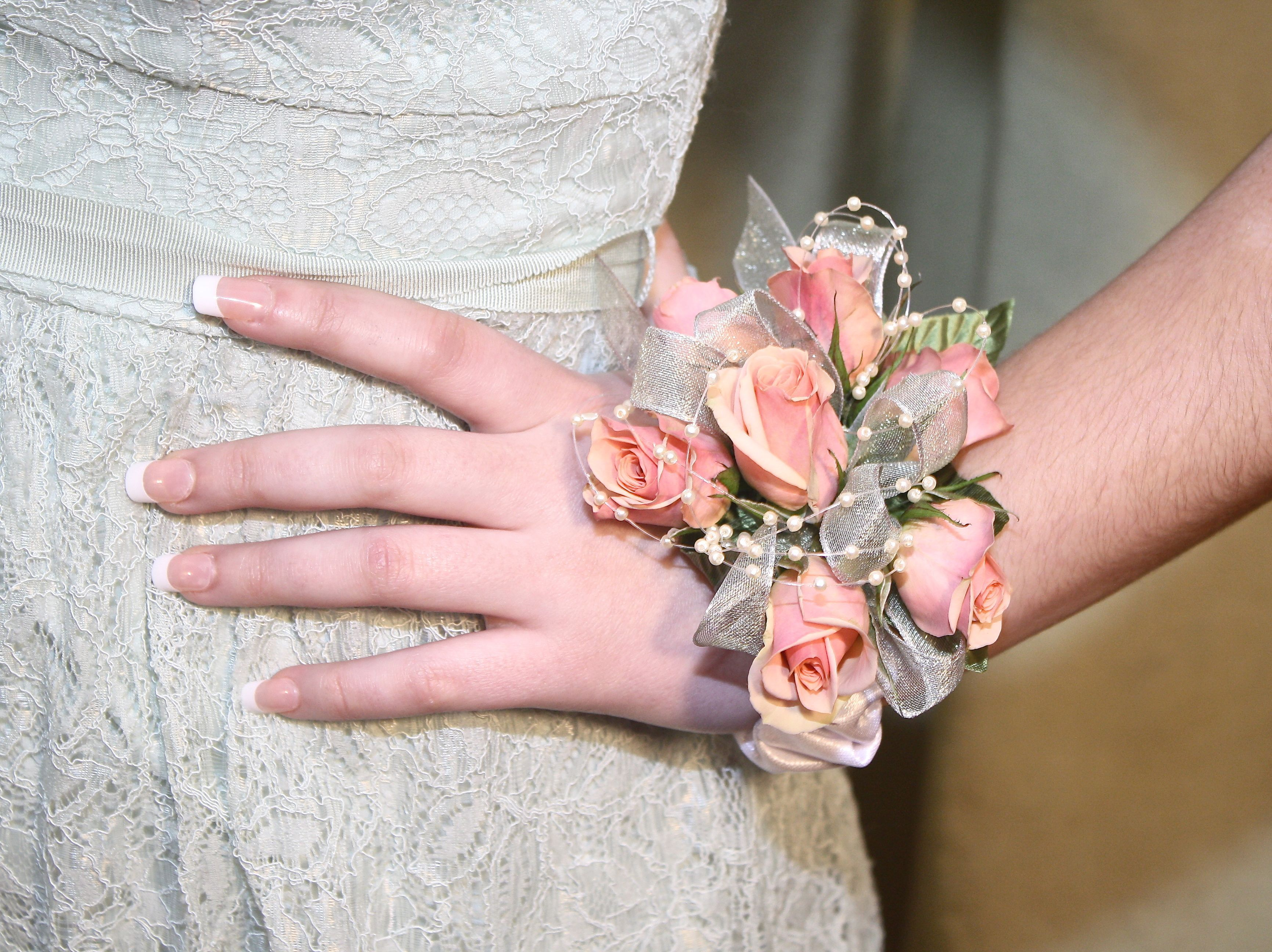Prom Flowers | beautiful wrist corsages | peach light apricot ...