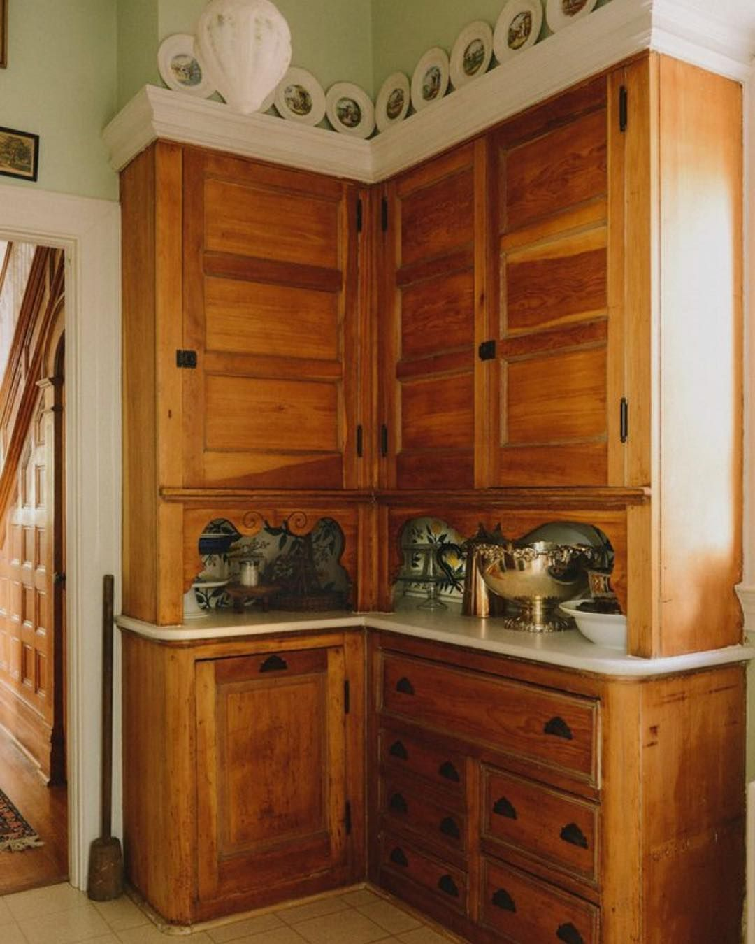 Century Kitchens On Instagram Please Direct Your Attention To The Scrolly Bits Below The Upper Cabinets Kitchen Cabinets Victorian Kitchen Vintage Kitchen