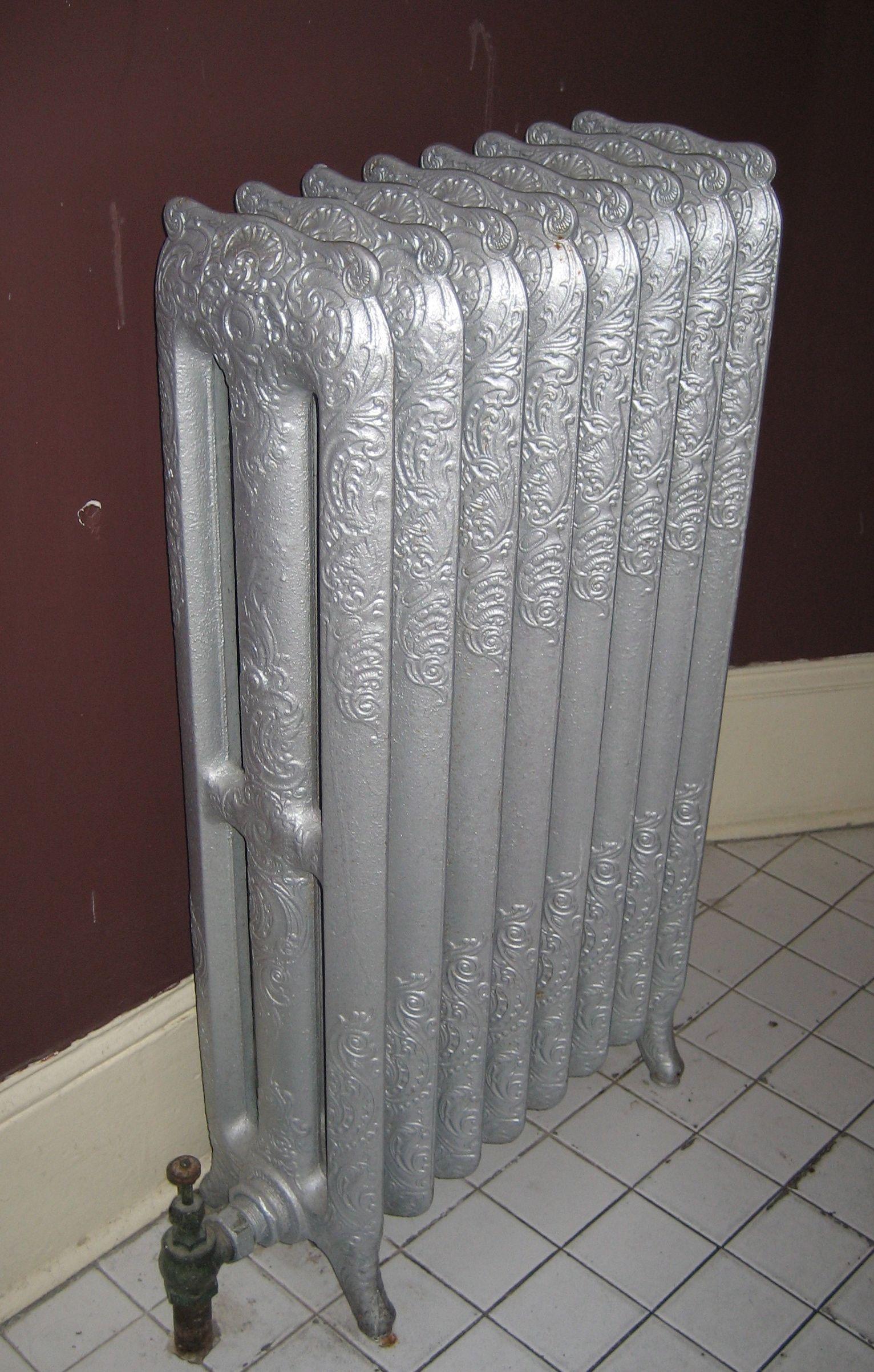 Radiador antiguo de hierro fundido radiator with - Radiadores de hierro fundido ...
