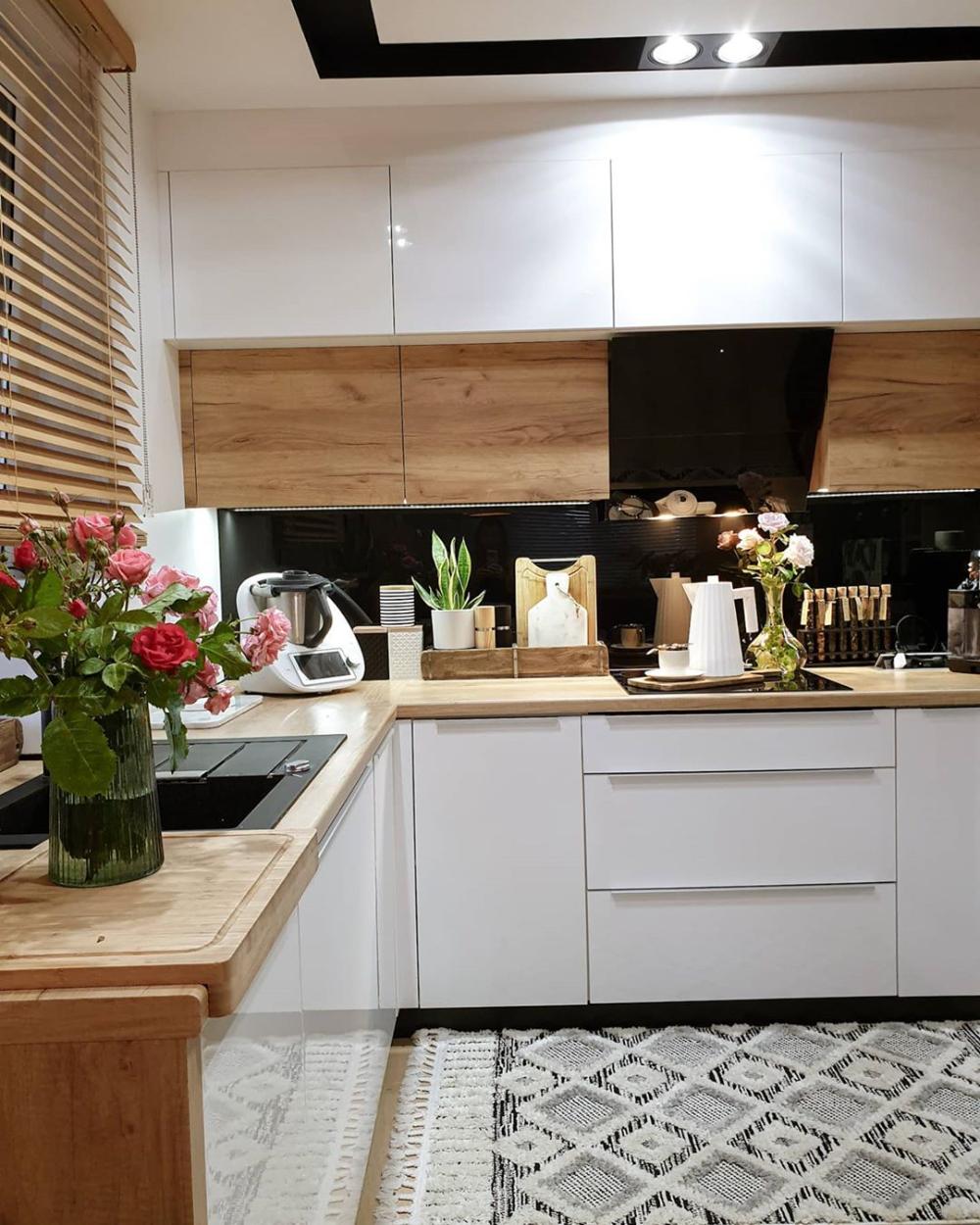 Fabryka Form Czajnik Elektryczny Plisse Alessi Kitchen Kitchen Cabinets Home