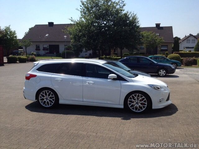 Ford Focus Mk3 Wagon Styling Kit