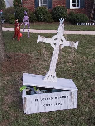 DIY Grave Monument Prop Showcase Show us your stones #Halloween - how to make halloween decorations for yard