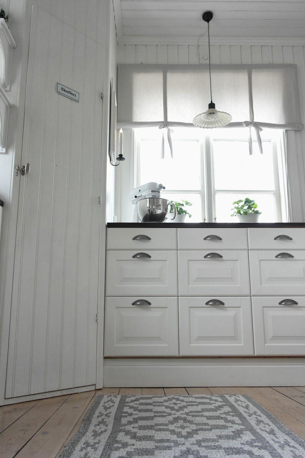 vitt hus med vita knutar | Kök | Pinterest | Küche