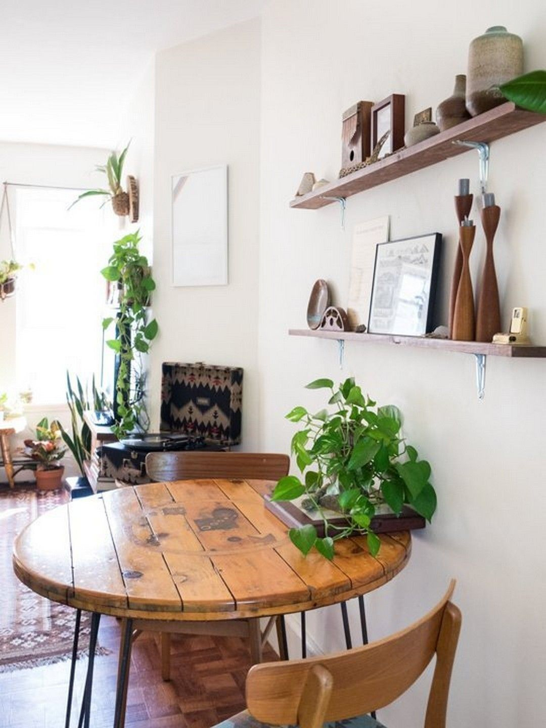 23 Creative & Genius Small Apartment Decorating on A Budget
