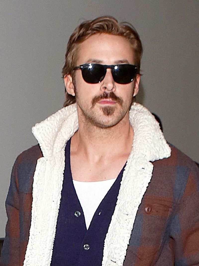 5 Grooming Lessons From Ryan Gosling And His Perfect Hair Ryan Gosling Hair Ryan Gosling Ryan Gosling Style