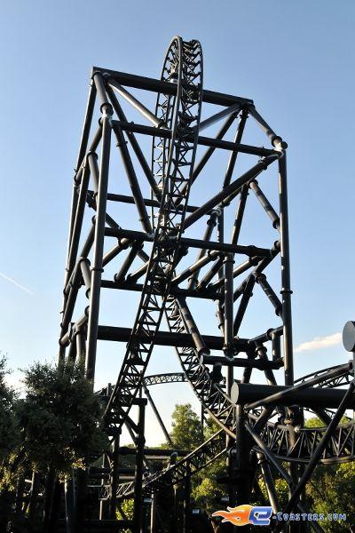 6 18 photo du roller coaster tornado situ parque de Roller adresse