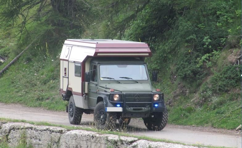 Offroad Camper Light Truck Adventure Campers Camp Trailers Off Road Mercedes Benz 4x4 Partner Wolf
