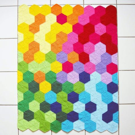 The Rainbow Hexie Blanket - Information on where she got the hexagon ...
