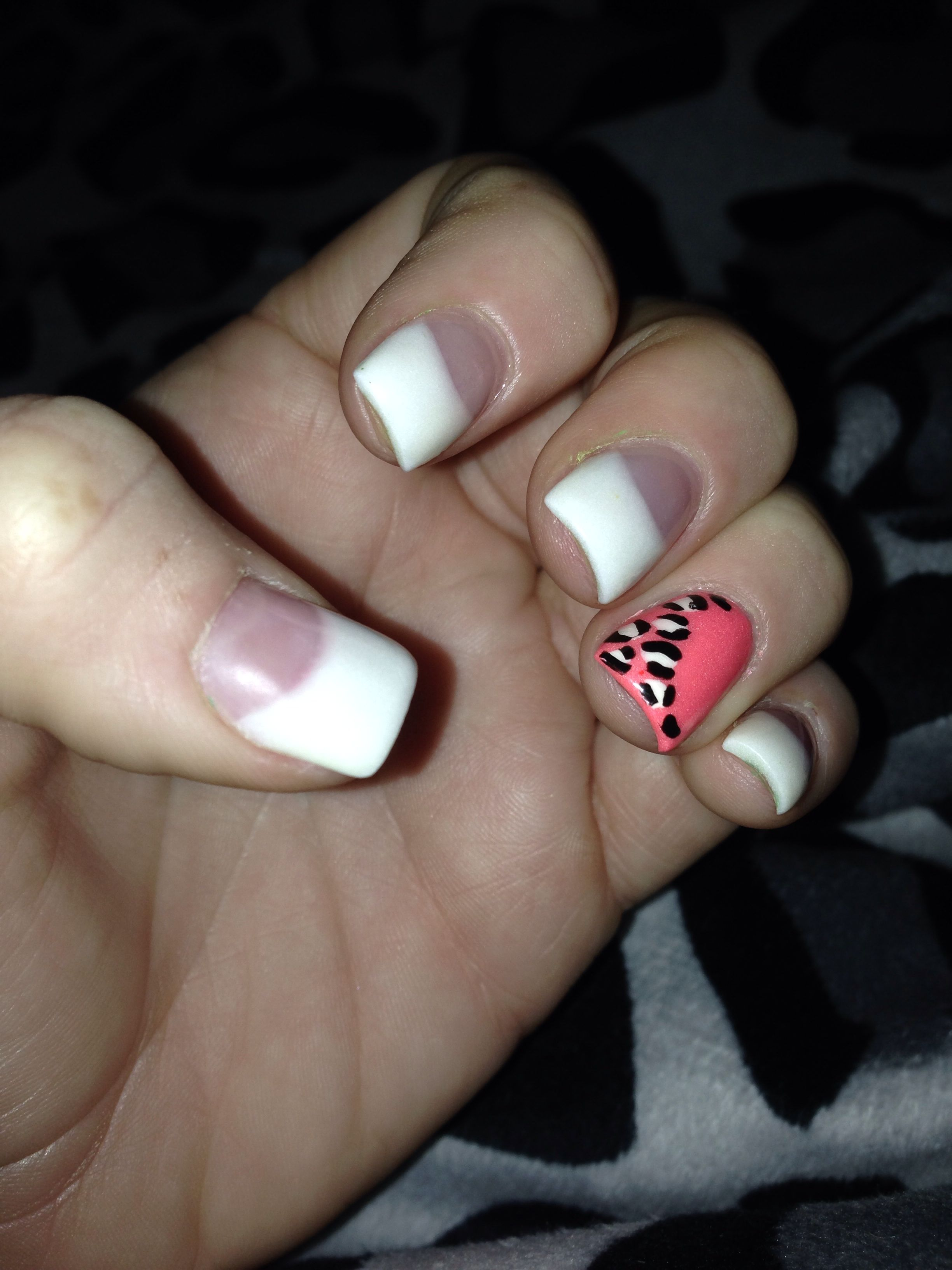 Maybe black nails with a similar accent