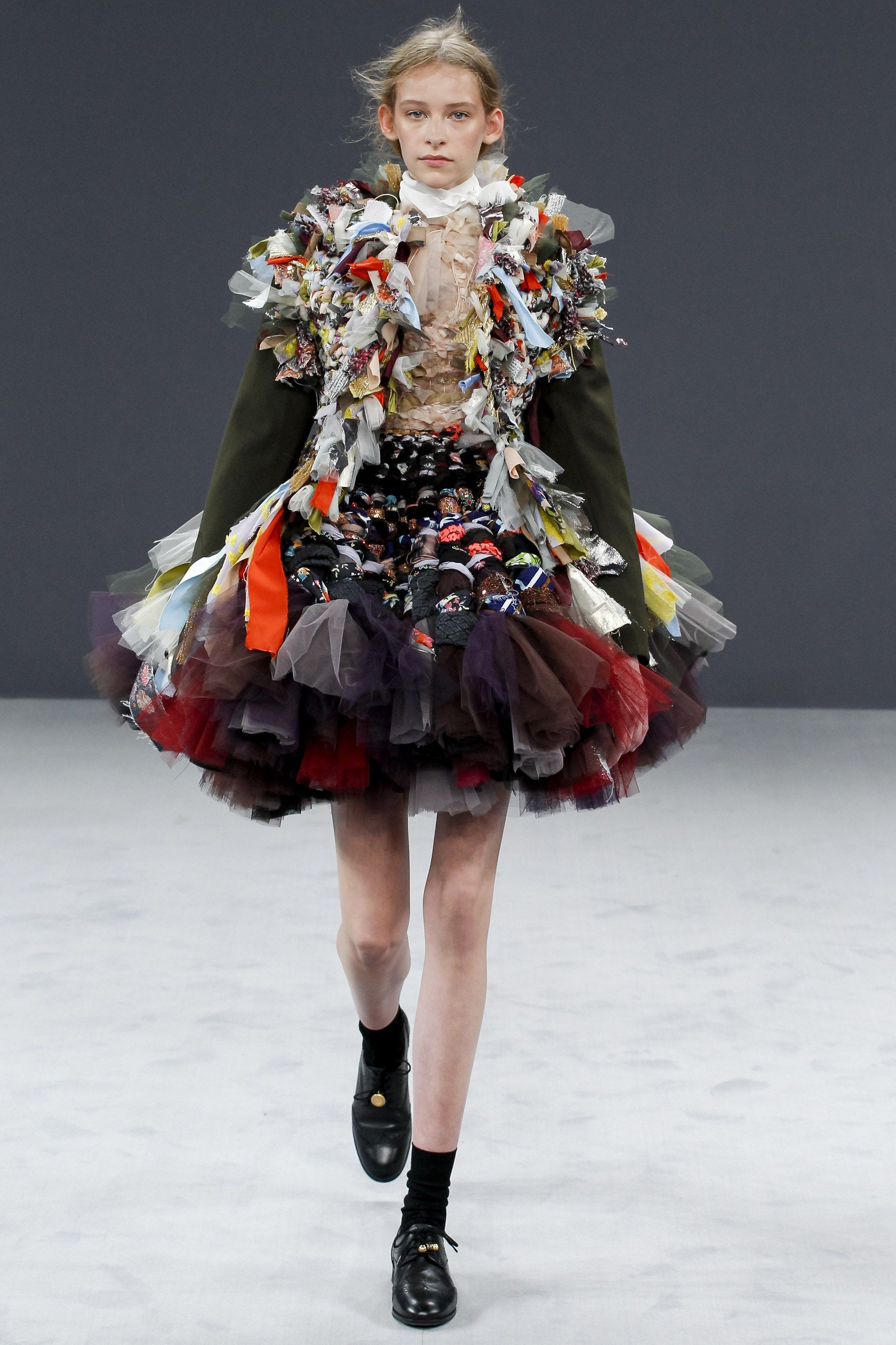 Viktor & Rolf A/W1617 Couture Beautiful and interesting technique.