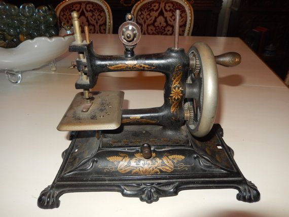 ANTIQUE SEWING MACHINE by ParthenosAntiques on Etsy ...
