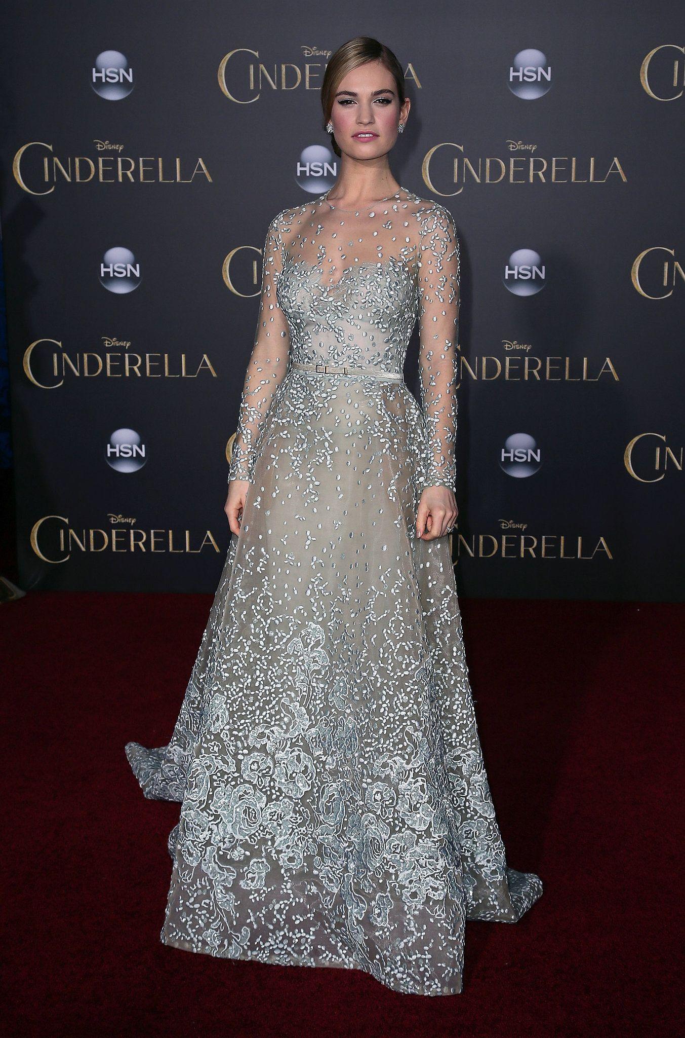 Lily James in Elie Saab bei der Premiere von Cinderella in Los Angeles