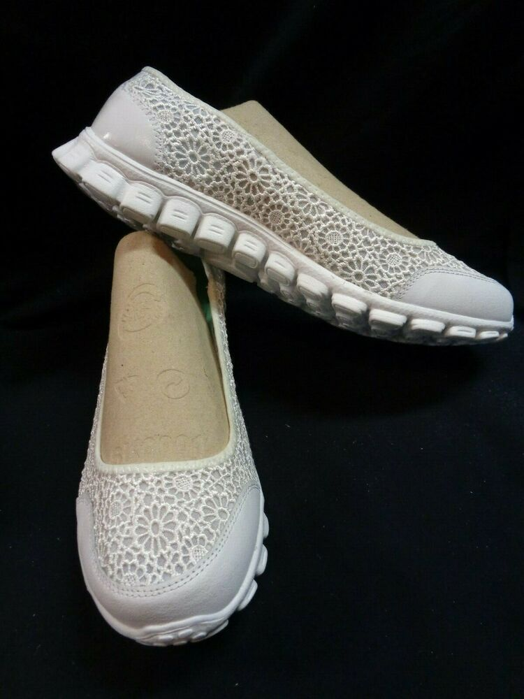 Womens Skechers Memory Foam White Lace Slip On Casual Shoes Sz 11