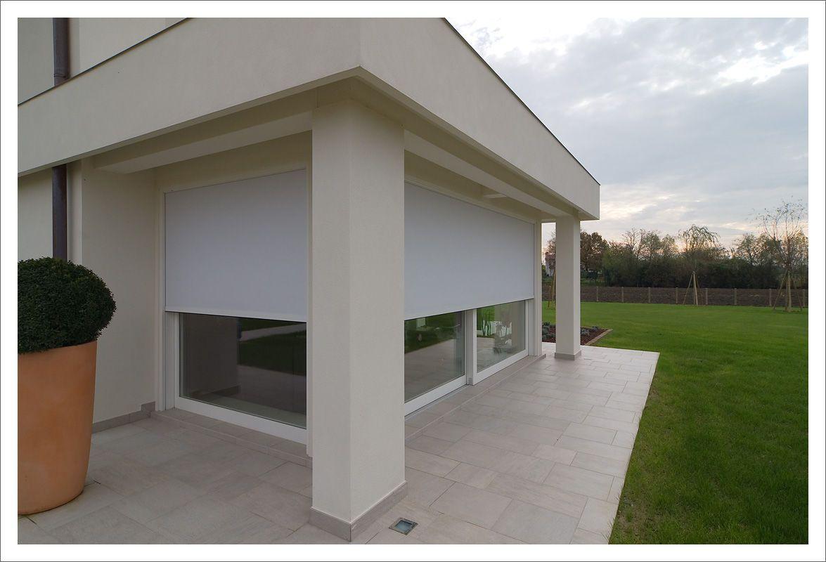 Serramenti in legno laccati bianchi porte scorrevoli - Pellicole oscuranti per finestre ...