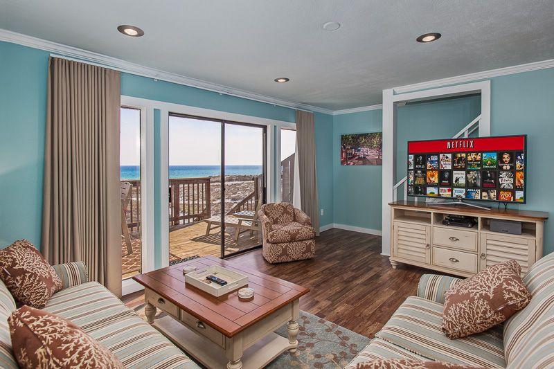 Living room at toes in the sand beach house in destin, fl #destin #florida #beachhouse #fetchmyvrdestin #fetchmyvrflorida