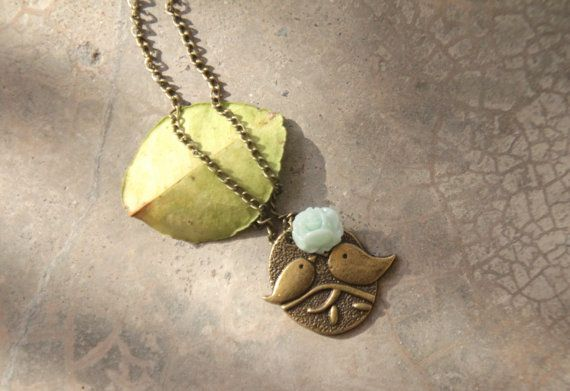 Bird charm necklace in light green rose