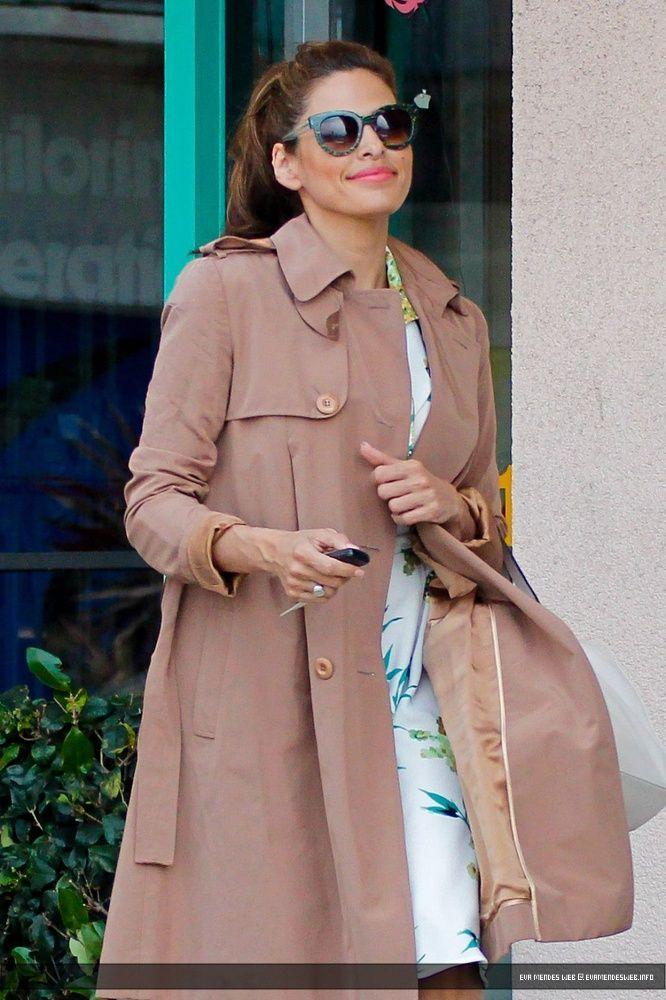 050615 Eva Mendes out in Santa Monica 3   2015/06/05 - Eva Mendes out in Santa Monica   Candid   Eva Mendes Photo