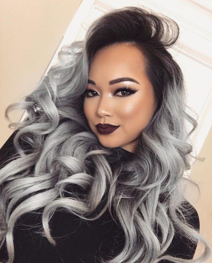 lange lockige graue haare mit schwarzem ansatz, silbernes
