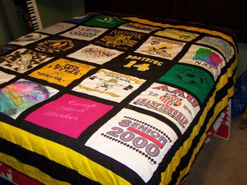 A t-shirt quilt! I'd like a t-shirt quilt made with all my old ... : quilts made from tee shirts - Adamdwight.com