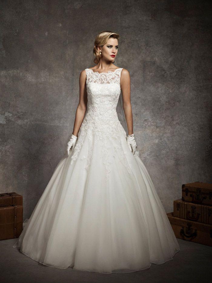 Timeless Sleeveless Ball Gown Wedding Dress Floral Appliques