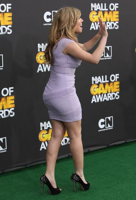 Jennette Mccurdy Ass Photos Jennette Mccurdy Is Icute Little Gaming Number Hollywood Gossip