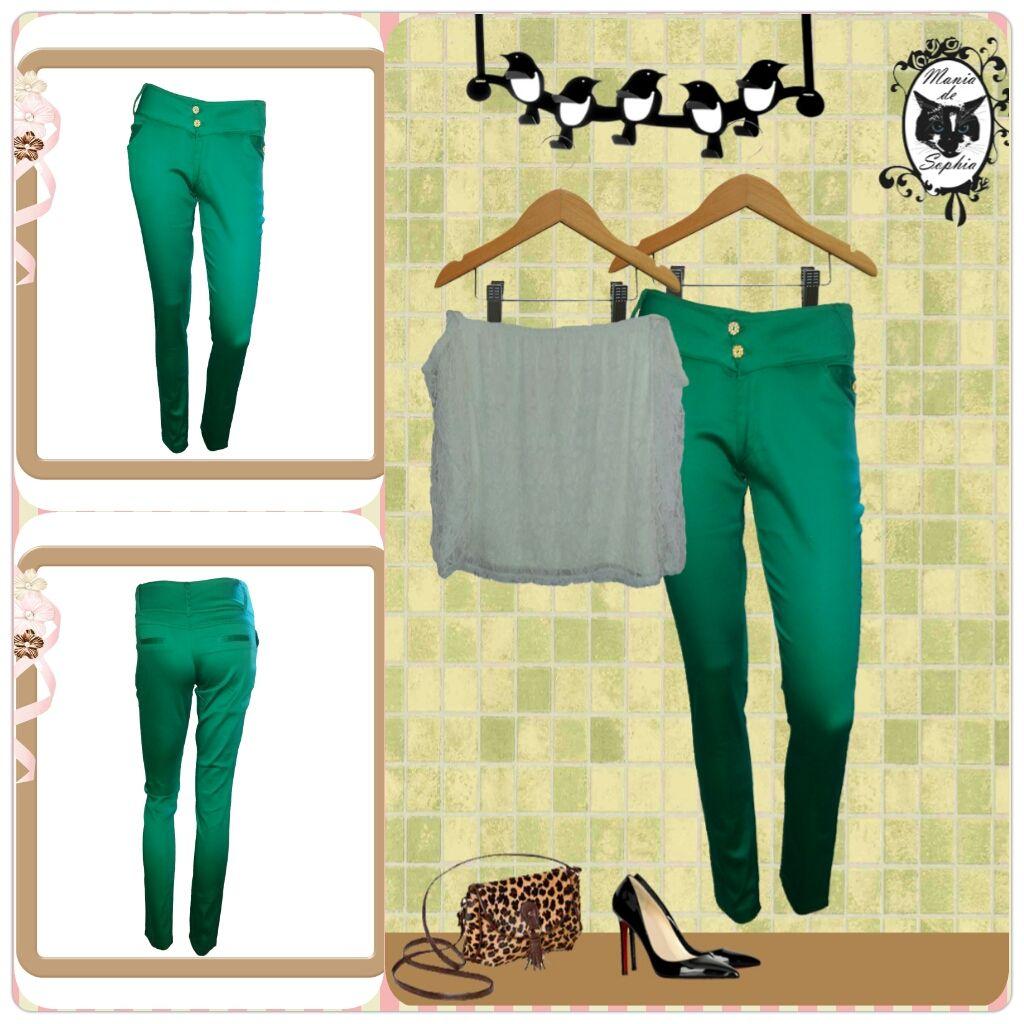 E a queridinha Calça Verde Esmeralda já está toda linda dando sopa no nosso site. Inspiração é que não falta de como usá-la. Corre lá: www.maniadesophia.com.br.