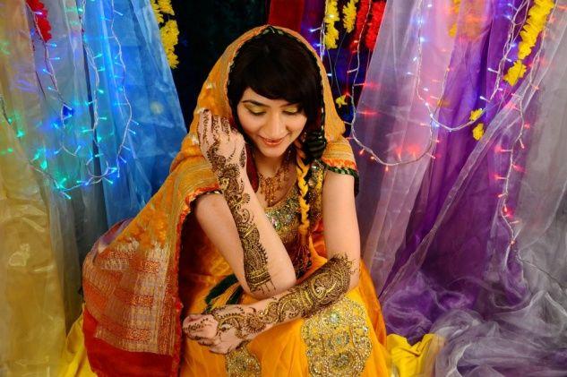 Mehndi Makeup In : Asian bride mehndi makeup amazing ideas for