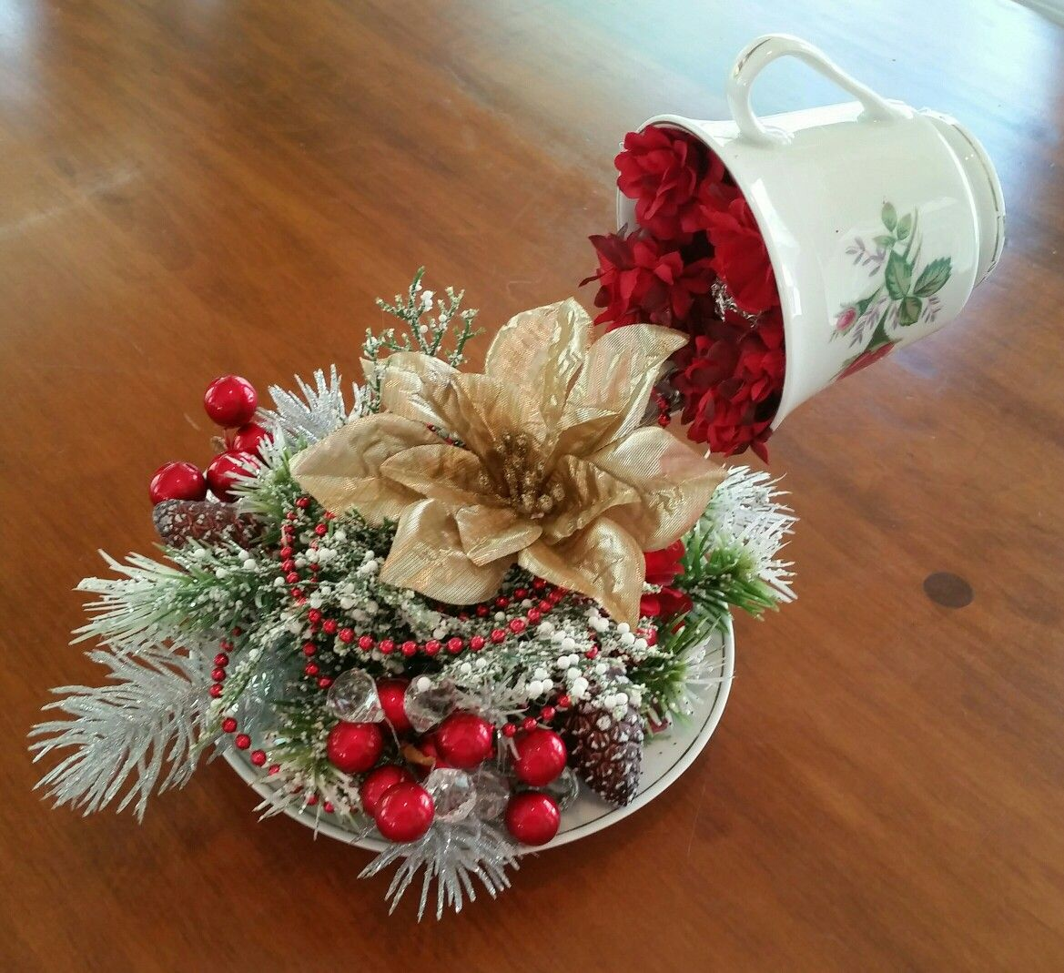 Love this tazze sospese pinterest tazze cascata di - Decorazioni sospese ...