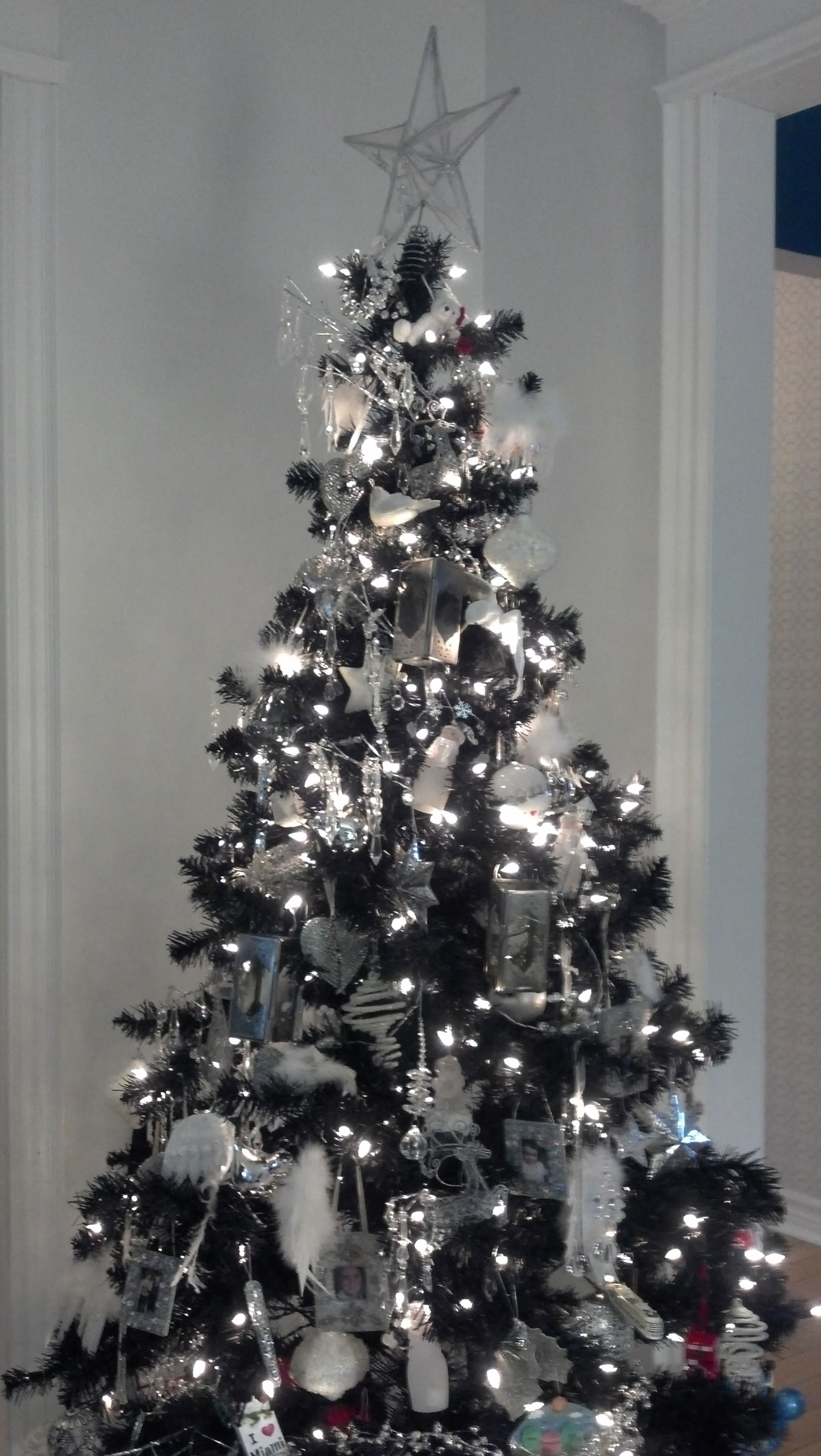 White And Silver Christmas Tree Black Christmas Trees Black White Christmas Tree Silver Christmas Tree
