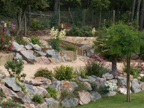 escalier et enrochement enrochement paysager pinterest escaliers jardins et ext rieur. Black Bedroom Furniture Sets. Home Design Ideas