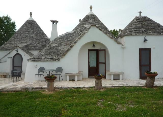 Trulli are unique places to stay in the Puglia region of southern Italy. Find and book trulli hotels and accommodations in Alberobello area of Puglia.
