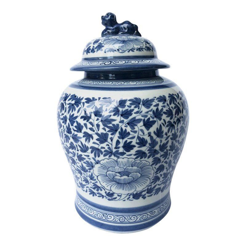Blue And White Porcelain Jar With Foo Dog Lid Blue And White White Porcelain Blue White Decor